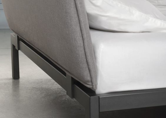 Trica dream bed back detail